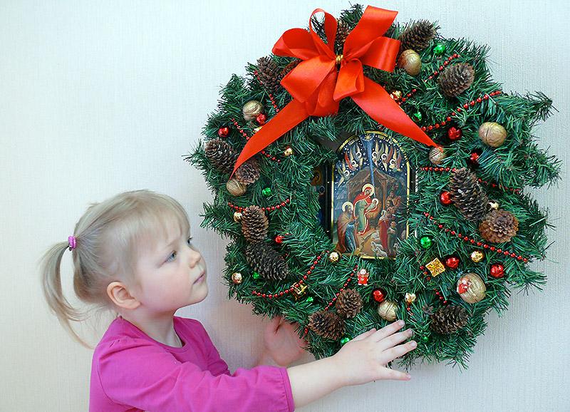 Рождественский венок с иконой